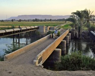 Brücke mit Eselkarren