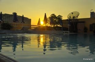 Sonnenuntergang am Pool