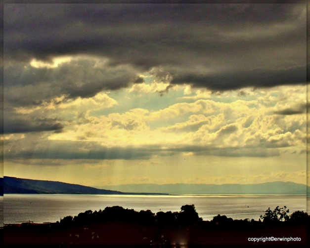 Regenwolken und Sonnenschein