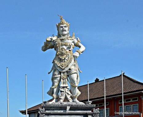 Ein Heldendenkmal in Bali