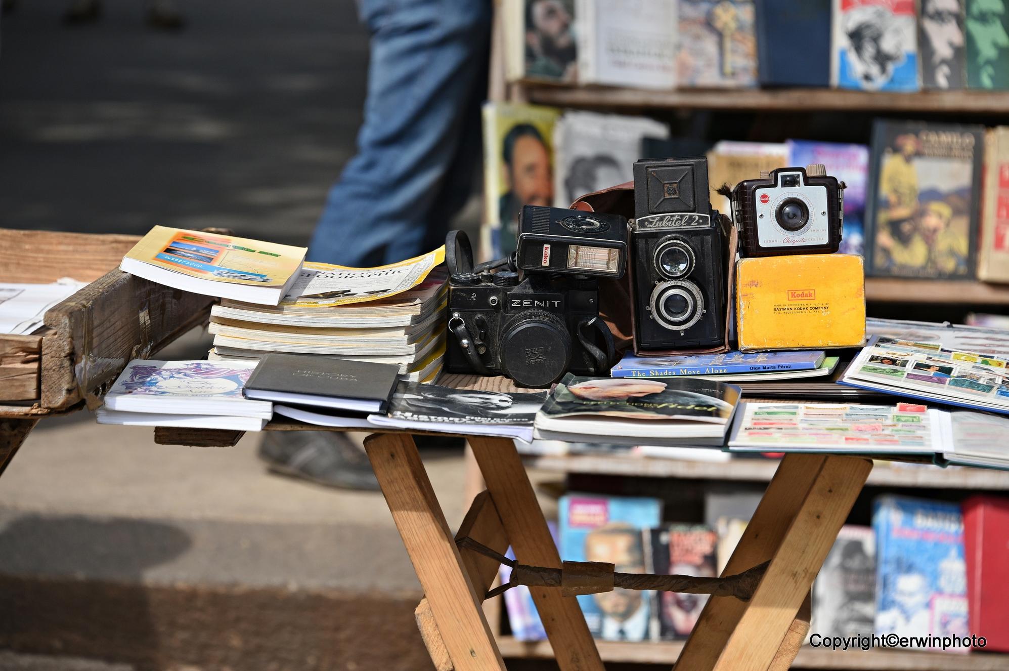 an der Calle Opisco kann man auch antike Kameras Kaufen