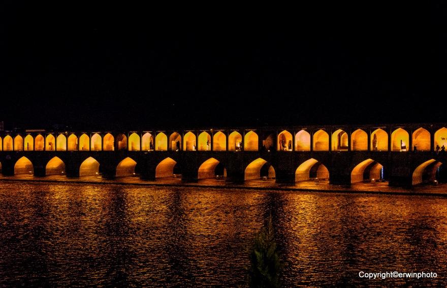33 Bogenbrücke