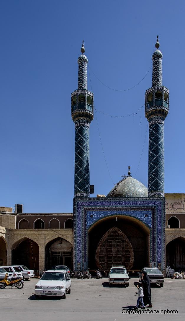 der Platz vor der Moschee