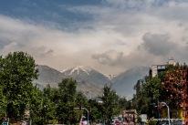 Elburs-Gebirge im Norden Teherans mit dem Stadtteil Shahrak-e-Gharb im Vordergrund