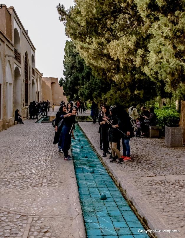 Iranische Girls beim Selphy machen