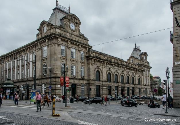 der Bahnhof von Porto Sao Bento