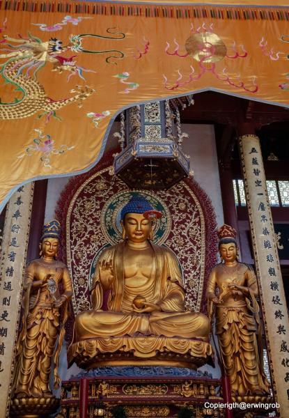 Buddha Statue im Kloster Lingyin